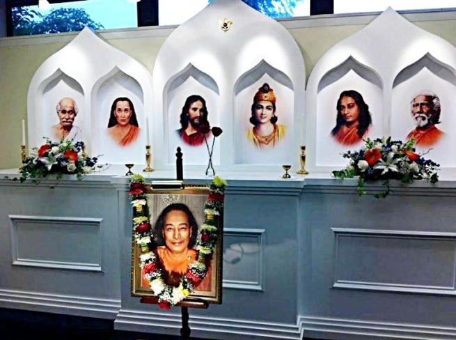 master altar gurus5_Fotor