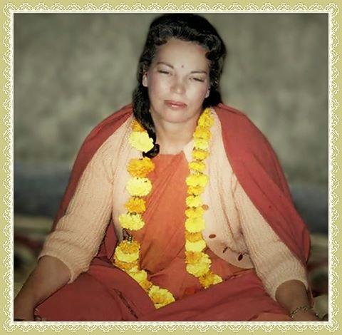 daya mata meditating yellow laiBorder_Fotor