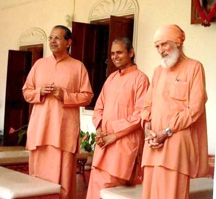 l to r, Swamis Shraddhanandaji, Smarananandaji, Shantanandaji