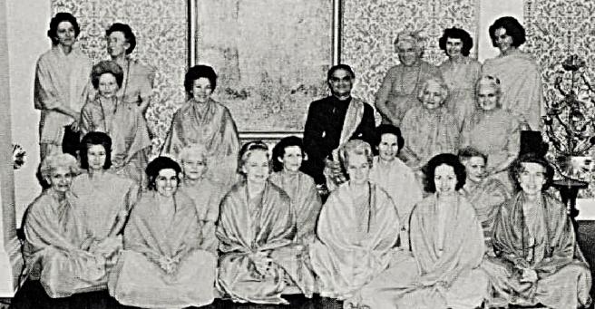 Ma Shya with nuns - Copy_Fotor