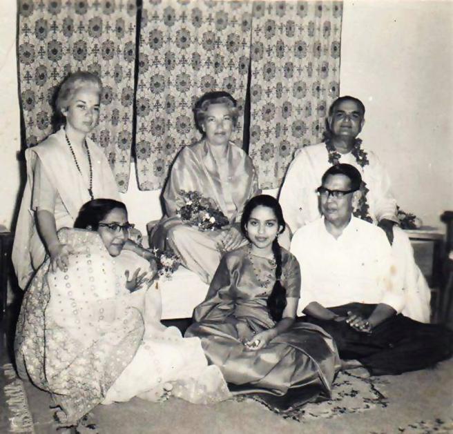 Shyamananda, Mri Ma, Daya Ma, Indian home_Fotor