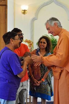 satyananda-ls-devotees60