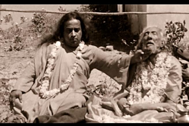Sri Yukteswar mahasamadhi Master2_Fotor