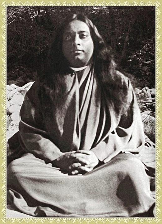 meditating outdoors robe 90 goldleaf_Fotor