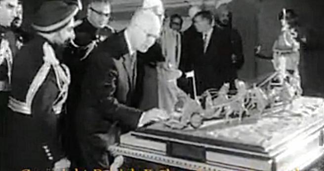 carving gift Eisenhower_Fotor